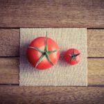二種類のトマト